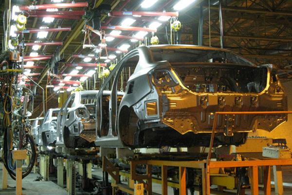 برجام خودروسازان را تبدیل به مونتاژکار محصولات فرانسوی کرد